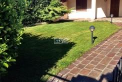 Castel Mella – Villa trifamiliare SU PIANO UNICO