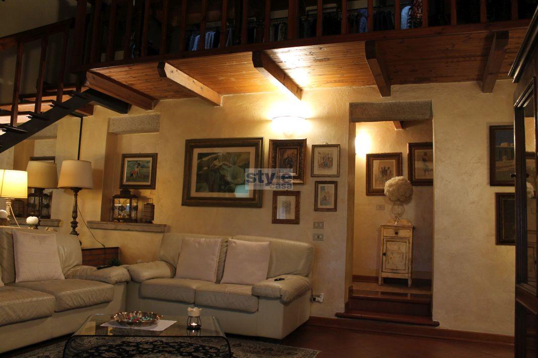 Fornaci appartamento con soppalco in corte immobiliare coffinardi - Camera con soppalco ...