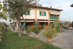 Brescia Sud – Casale immerso nel verde