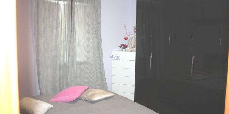 camera da letto con logo