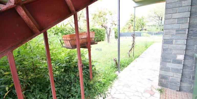 vista giardino con logo